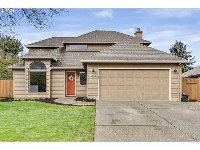 5715 SE Quiet Meadows Dr, Milwaukie, OR 97267 (MLS #21509276) :: Premiere Property Group LLC