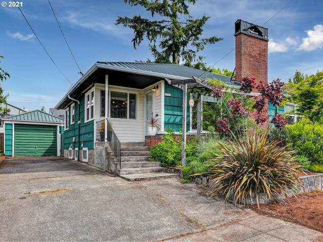 4049 SE Pardee St, Portland, OR 97202 (MLS #21512701) :: The Pacific Group