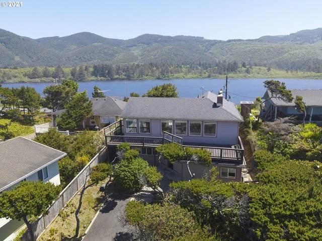 786 N Pacific St, Rockaway Beach, OR 97136 (MLS #21517511) :: Song Real Estate