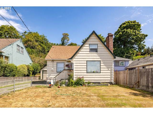 825 Glasgow Ave, Astoria, OR 97103 (MLS #21519700) :: The Pacific Group