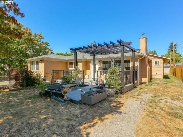 14711 SE Rhine St, Portland, OR 97236 (MLS #21525675) :: Fox Real Estate Group