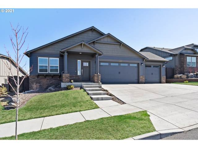 2428 SW 43RD Pl, Redmond, OR 97756 (MLS #21525915) :: RE/MAX Integrity