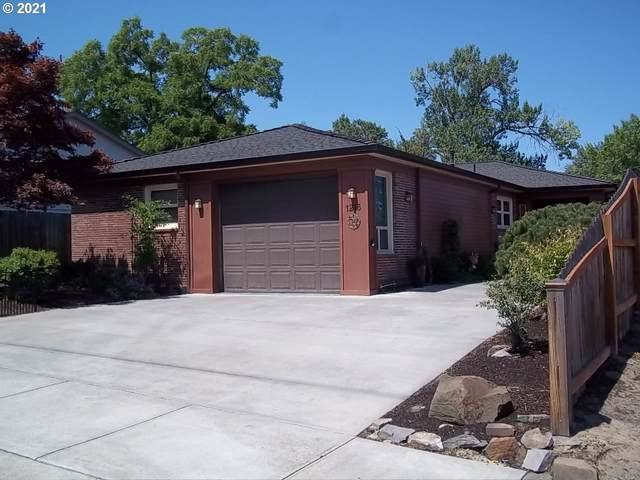 1215 Jordan, The Dalles, OR 97058 (MLS #21528703) :: McKillion Real Estate Group