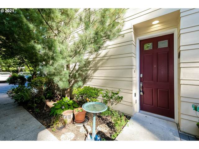 8357 SW 24TH Ave, Portland, OR 97219 (MLS #21529931) :: Gustavo Group