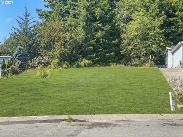 598 Meadow Ln, Brookings, OR 97415 (MLS #21532478) :: Oregon Farm & Home Brokers