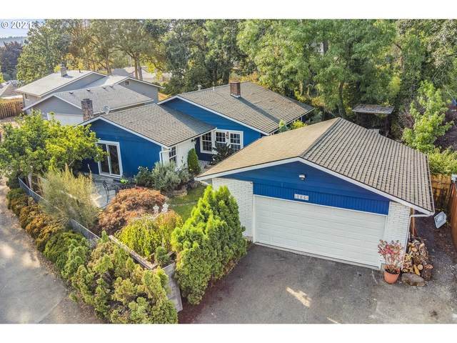 5445 SE Clayson Ave, Milwaukie, OR 97267 (MLS #21532853) :: Holdhusen Real Estate Group