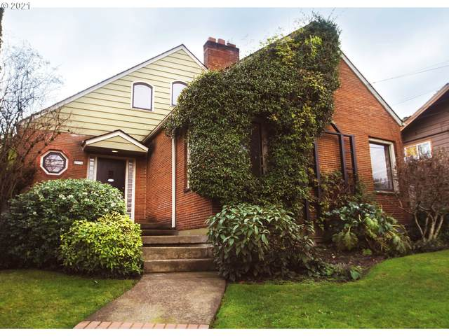 2774 NW Raleigh St, Portland, OR 97210 (MLS #21536148) :: Duncan Real Estate Group