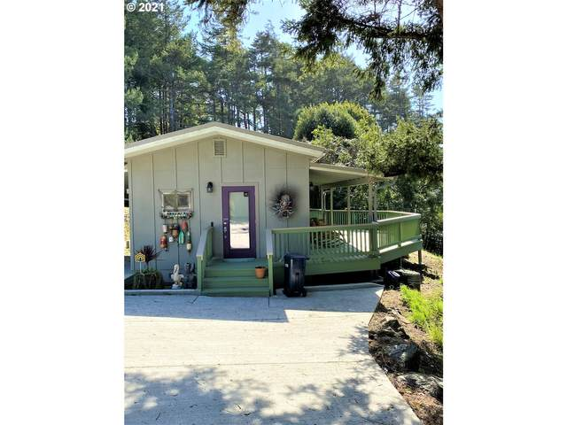 29972 Riverview Dr, Gold Beach, OR 97444 (MLS #21540565) :: Beach Loop Realty