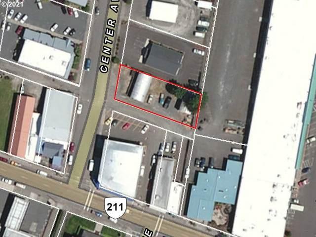 117 Center Ave, Molalla, OR 97038 (MLS #21540627) :: McKillion Real Estate Group