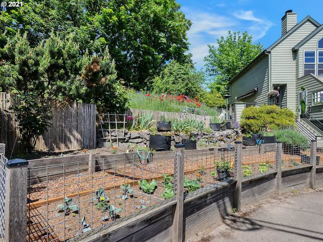 1 S Richardson St, Portland, OR 97239 (MLS #21543384) :: Townsend Jarvis Group Real Estate