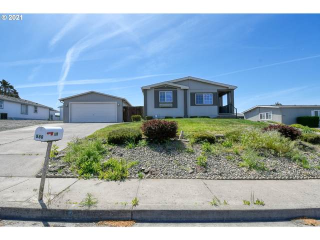 980 SW Marshall Ave, Pendleton, OR 97801 (MLS #21543427) :: Fox Real Estate Group