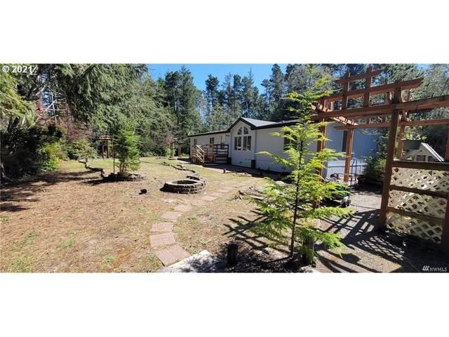 1811 243RD Ln, Ocean Park, WA 98640 (MLS #21551737) :: Song Real Estate