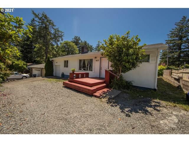 627 Richard St, Brookings, OR 97415 (MLS #21553365) :: McKillion Real Estate Group