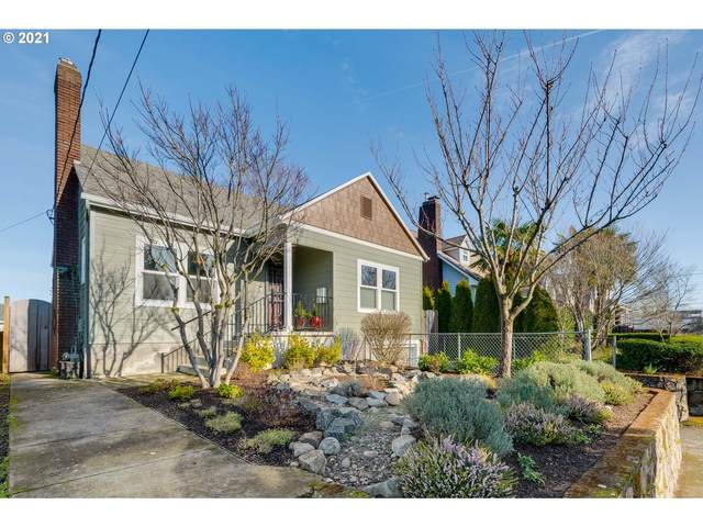 1823 N Ainsworth St, Portland, OR 97217 (MLS #21558191) :: Townsend Jarvis Group Real Estate