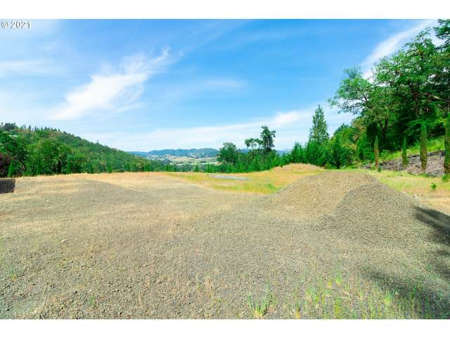 205 Summit Ridge Ln, Roseburg, OR 97471 (MLS #21558389) :: Townsend Jarvis Group Real Estate