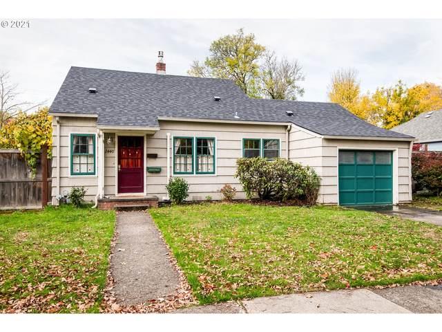 2440 Harris St, Eugene, OR 97405 (MLS #21558759) :: Fox Real Estate Group