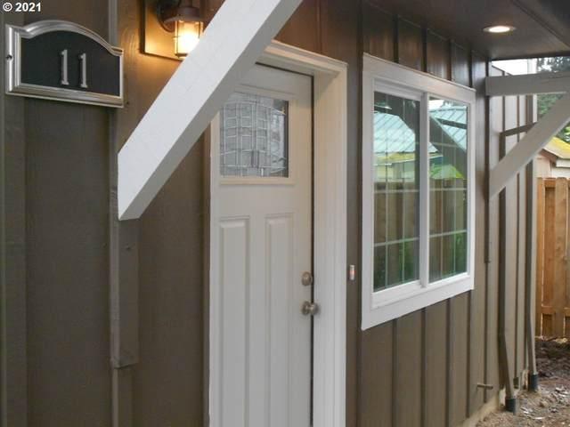 7949 SE Glencoe St #11, Milwaukie, OR 97222 (MLS #21559113) :: Fox Real Estate Group