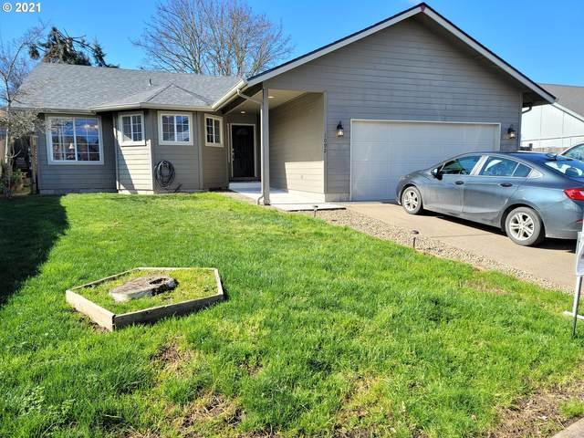 1092 Cedar Ct, Creswell, OR 97426 (MLS #21559860) :: Duncan Real Estate Group