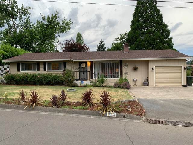 1030 W Luellen Dr, Roseburg, OR 97471 (MLS #21560559) :: Real Tour Property Group