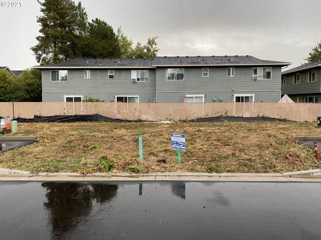 1546 E 3rd St, Newberg, OR 97132 (MLS #21560996) :: Fox Real Estate Group