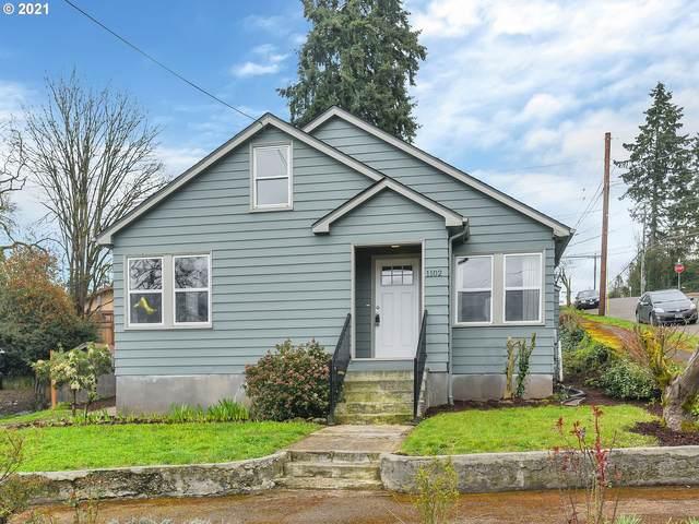 1102 Center St, Oregon City, OR 97045 (MLS #21562699) :: Stellar Realty Northwest
