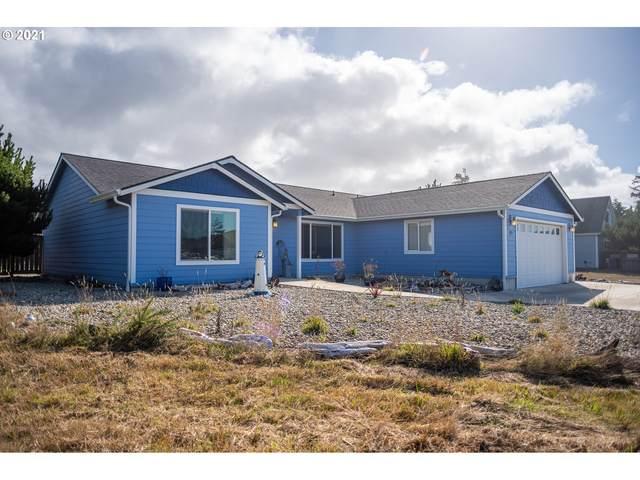 1175 Three Wood Dr, Bandon, OR 97411 (MLS #21563528) :: Premiere Property Group LLC