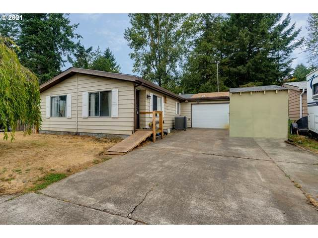901 E 12TH St, Newberg, OR 97132 (MLS #21565165) :: Lux Properties