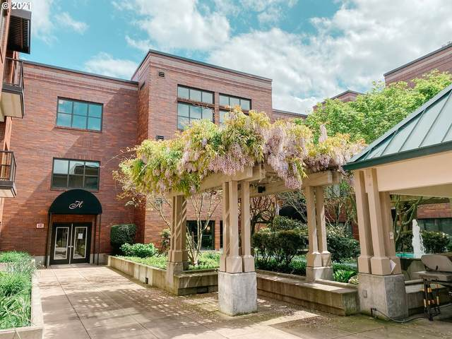 400 W 8TH St #216, Vancouver, WA 98660 (MLS #21565431) :: Real Tour Property Group