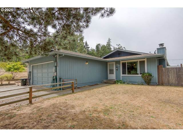 770 Fenwick St, Coos Bay, OR 97420 (MLS #21566080) :: Song Real Estate