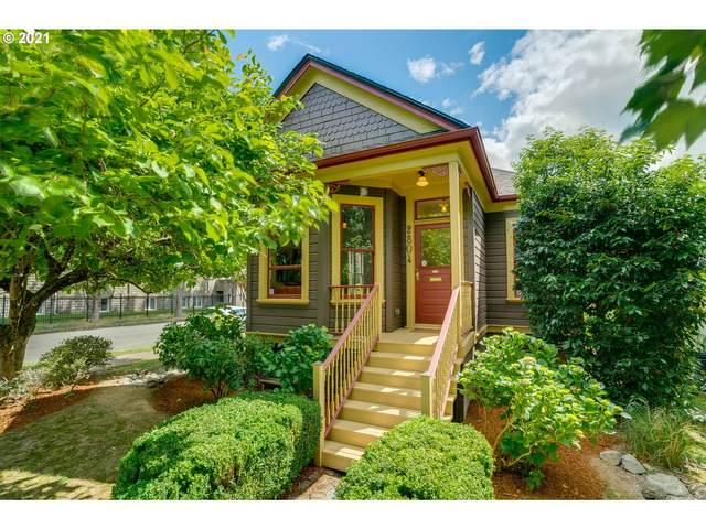 2804 SE 17TH Ave, Portland, OR 97202 (MLS #21569365) :: McKillion Real Estate Group