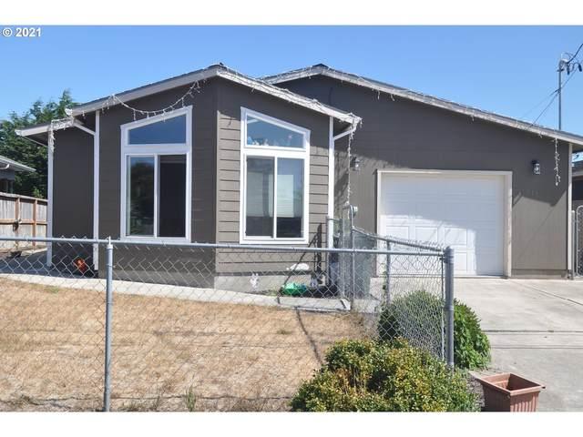 1015 Sanford St, Coos Bay, OR 97420 (MLS #21571428) :: Premiere Property Group LLC