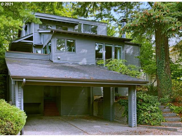 3829 SW Sweetbriar Dr, Portland, OR 97221 (MLS #21572028) :: Real Tour Property Group