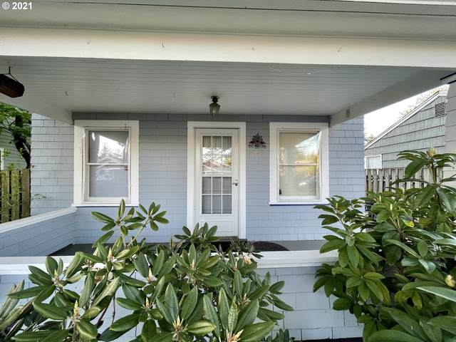 8049 SE Ogden St, Portland, OR 97206 (MLS #21572214) :: Townsend Jarvis Group Real Estate