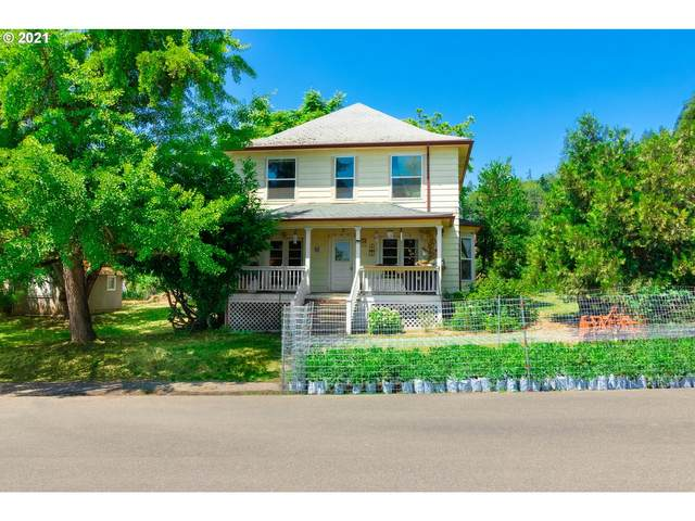 634 NW Nichol Ave, Myrtle Creek, OR 97457 (MLS #21573291) :: Fox Real Estate Group