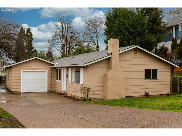 1220 E Harrison Ave, Cottage Grove, OR 97424 (MLS #21575117) :: Song Real Estate