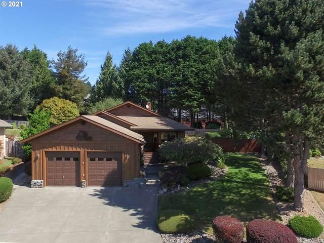 924 Midland Way, Brookings, OR 97415 (MLS #21575142) :: Townsend Jarvis Group Real Estate