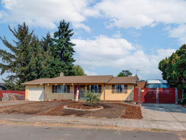 390 SW Juniper St, Junction City, OR 97448 (MLS #21577848) :: Townsend Jarvis Group Real Estate