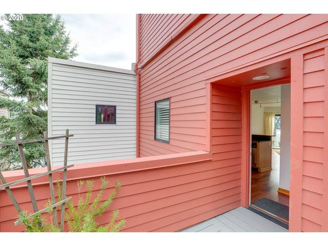 710 NW Naito Pkwy C22, Portland, OR 97209 (MLS #21578803) :: Townsend Jarvis Group Real Estate