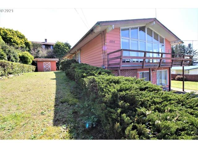 1276 E St, Coos Bay, OR 97420 (MLS #21579734) :: Song Real Estate