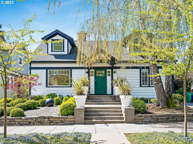 2143 SE 57TH Ave, Portland, OR 97215 (MLS #21580931) :: The Haas Real Estate Team