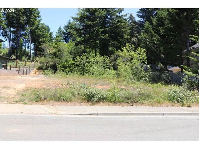 Vista Ridge #6, Brookings, OR 97415 (MLS #21582592) :: McKillion Real Estate Group