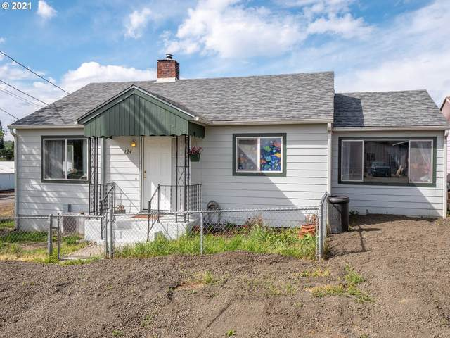 124 NE West Ave, Roseburg, OR 97470 (MLS #21584953) :: Townsend Jarvis Group Real Estate