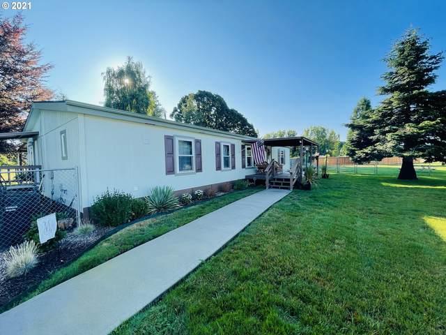 28244 S Redding Ln, Mulino, OR 97042 (MLS #21586436) :: Real Tour Property Group