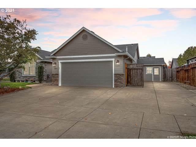 6079 Latour Ln, Eugene, OR 97402 (MLS #21586674) :: Oregon Farm & Home Brokers