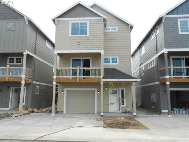 7949 SE Glencoe St #12, Milwaukie, OR 97222 (MLS #21588977) :: Fox Real Estate Group