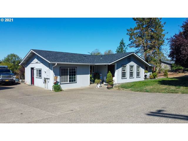 1726 Old Town Loop Rd, Oakland, OR 97462 (MLS #21589008) :: Townsend Jarvis Group Real Estate