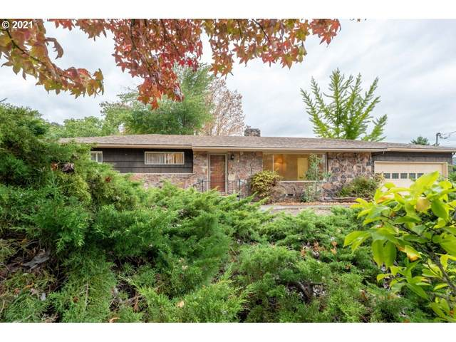 1110 W Indianola St, Roseburg, OR 97471 (MLS #21592574) :: Fox Real Estate Group