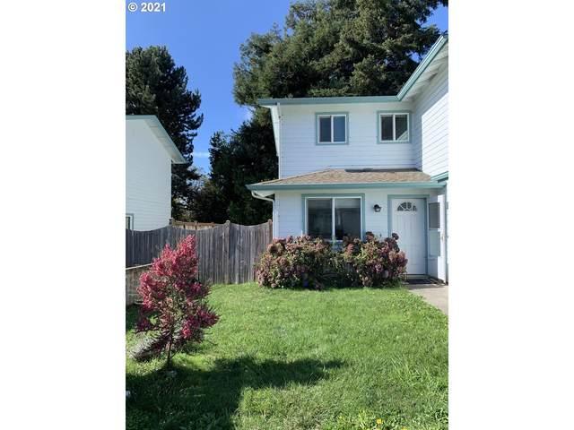 726 Pioneer Rd A, Brookings, OR 97415 (MLS #21593118) :: Song Real Estate