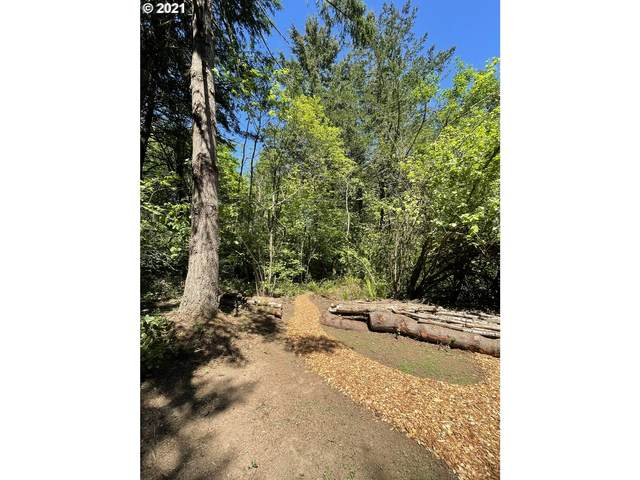 11975 SE Zion Hill Dr, Damascus, OR 97089 (MLS #21594153) :: Fox Real Estate Group