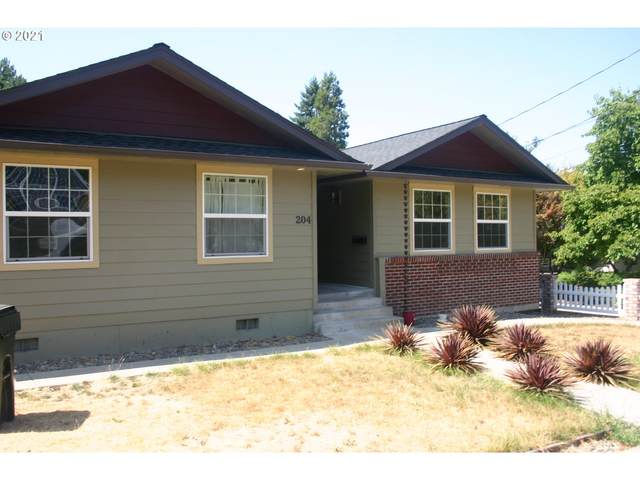 204 W Bowden St, Roseburg, OR 97470 (MLS #21594780) :: Townsend Jarvis Group Real Estate